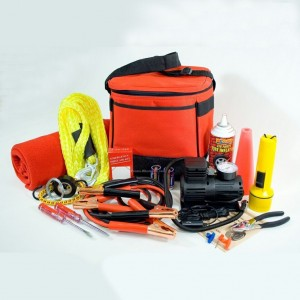 emergency-kit-of-your-car-in-winter-1024x1024